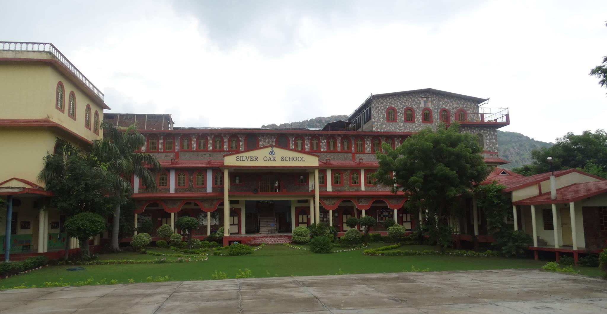 Silver Oak School