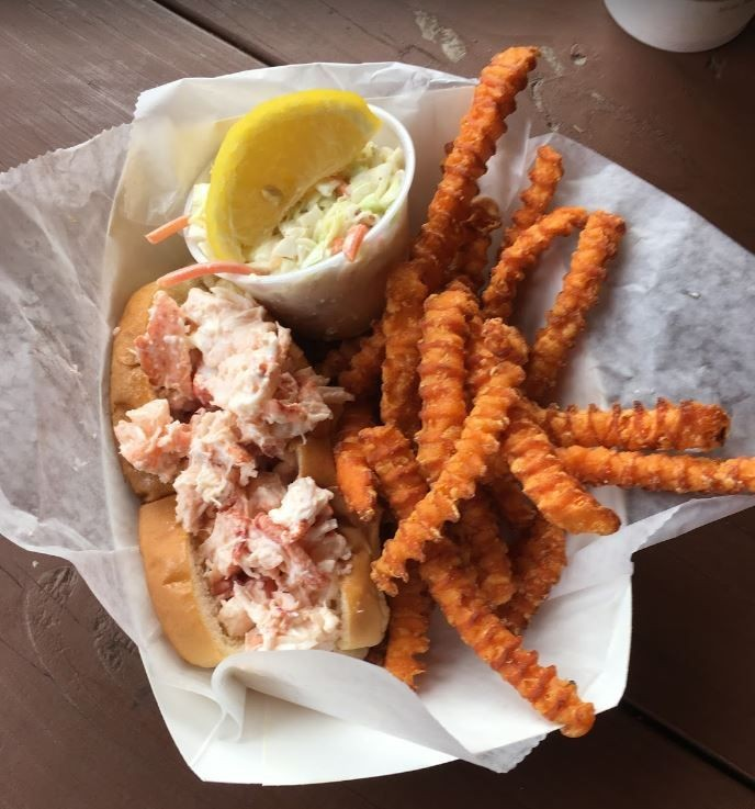 Holbrook's Lobster Wharf   Grille