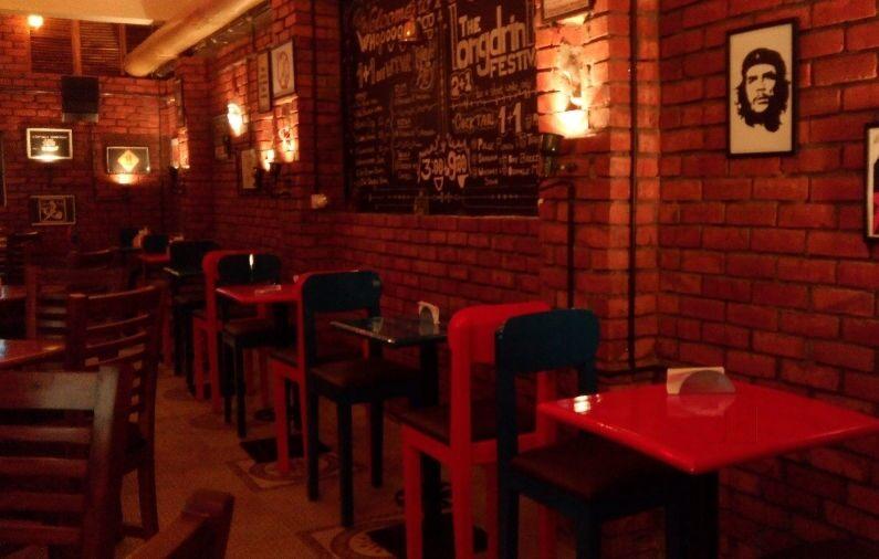 Golden Reef Beach Bar & Restaurant