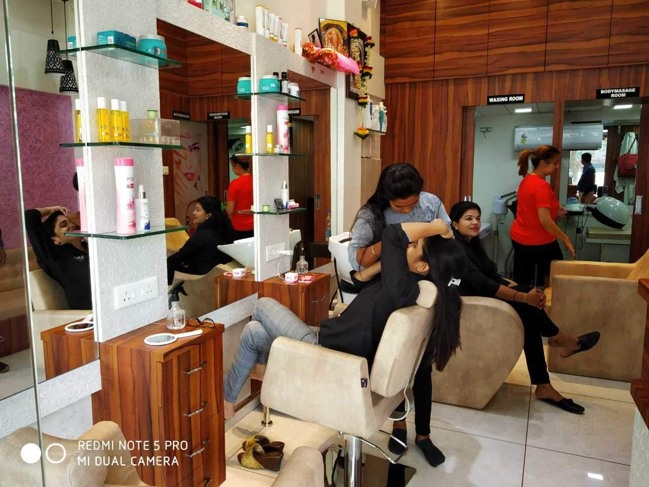 Amol The Salon