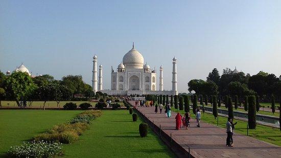 Agra Travels